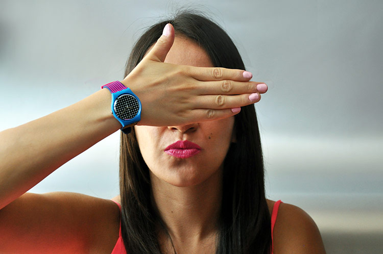 RELOJES-SWATCH-BEHIND-THE-WALL-1